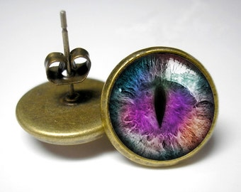 Cool Cats Eye - Button Stud Earrings - Antique Gold