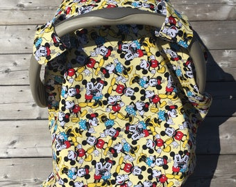 2-in-1 Reversible Car Seat Canopy and Baby Blanket. Baby Boy or Girl. Retro Mickey & Minnie Mouse on Pale Yellow. Black and White Geometric