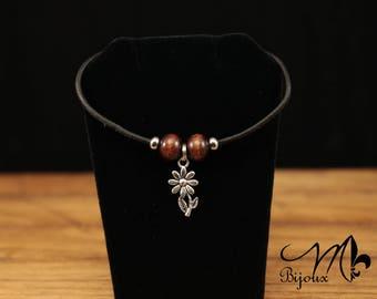 Leather Bracelet with pretty flower