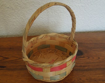 """Vintage Woven Wicker Easter Basket Round 8"""" Tall- Mexico"""