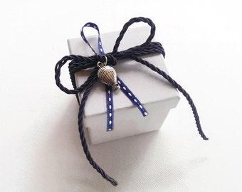 White paper box favor/bomboniere - hot air balloon