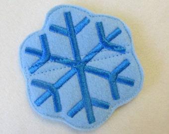 In Hoop Snowflake Bobbie Pin Buddy