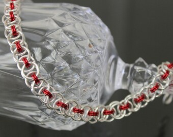Chainmaille Celtic Line Bracelet-silver plate / red