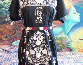 Mexican Dress, Short Dress, Embroidered Mexican, Black Mexican dress, Frida Kahlo dress, size L