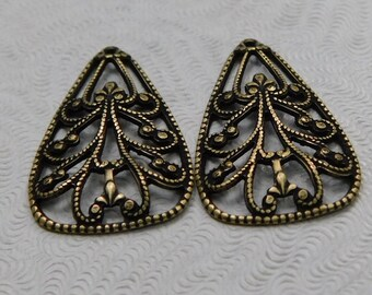 LuxeOrnaments Oxidized Small Brass Filigree Pendant (2 pc) 15x12mm S-9123-B
