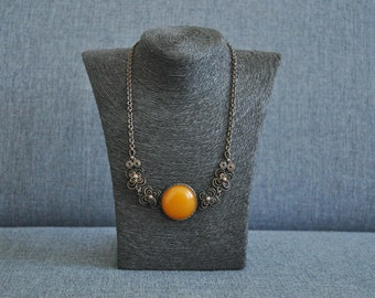 Vintage copper-pressed butterscotch Baltic Amber necklace.