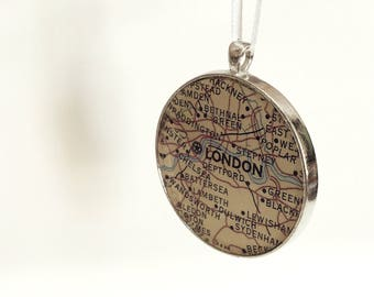 Ornament - London England - Ready to Ship (Packaged) - great souvenir and stocking stuffer