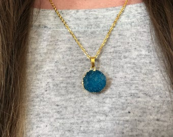 Blue Druzy-- Deep Blue Stone Pendant-- Blue Pendant-- Druzy Pendant-- Druzy Stone Necklace-- Blue Round Druzy