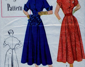 Vintage Simplicity Designer's Pattern 8229 - Misses' 1-Piece Street and Afternoon Dress  with Sash  // Size 12 Bust 30