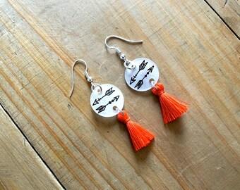 Arrow earring orange PomPoms