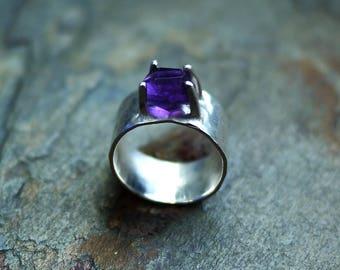 Amethyst Ring, Rough Cut Amethyst Ring, Raw Amethyst Ring, Rough Faceted Amethyst Ring, Purple Gemstone Ring, Rustic Ring, Raw Amethyst Ring