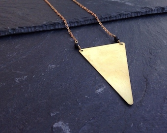 Long necklace with triangle