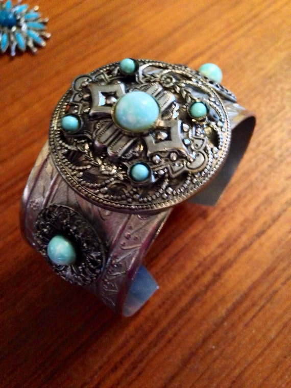 Vintage Costume turquoise southwestern Native American styled cuff bracelet