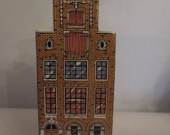 Canal House- Hotel   polychrome