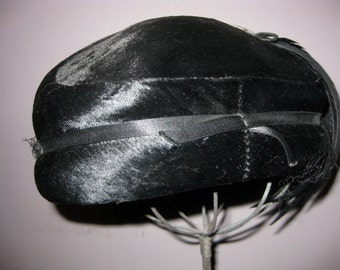 Feather Pill Box Retro Feather Hat SLEEK Antique Black Hat Lovely Vintage Velvet Woman's Hat w Rhinestone Embellishment