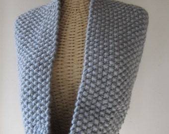 Hand Knit Cowl - Super Chunky Cowl - Infinity Cowl in Silver Grey - Winter Accessories - Winter Fashion