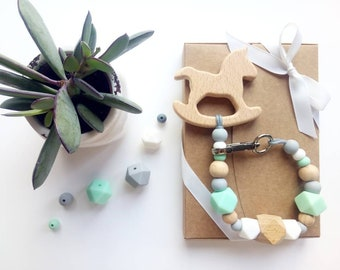 Small Menthalo: Rattle Teether / pacifier. Marylou Framboise x odds & co.