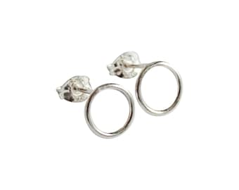 Silver Circle Earrings / Minimalist Studs / Everyday Jewellery / Geometric Studs / Dainty Post Earrings / Small Studs / Open Circle Studs