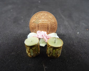 1/12 Scale Dollhouse Candles in Holders, Green