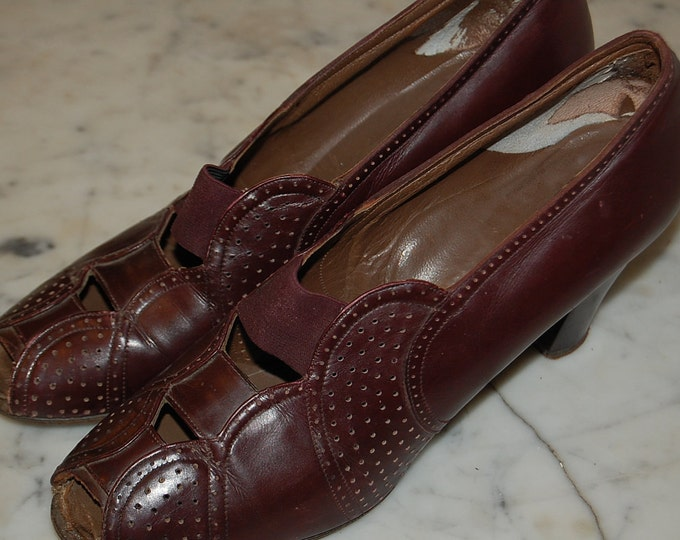 1940's Size 6 Librarian Burgundy Leather Open-Toed Heels