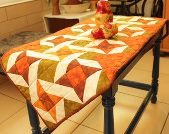 Quilted table runner, Coffee table runner, Quilted table topper, Table runner quilted, Table cloth rectangle, Autumn decor, Table linens