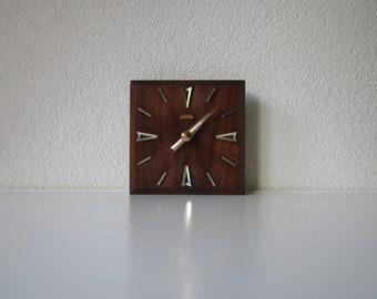 Sunbeam U.S.A. cordless electric battery clock hardwood wood table Clock 1950