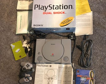 VINTAGE SONY PLAYSTATION video game console original box controller interactive cd sampler disc instructions electronics 1997 to 1998 spyro