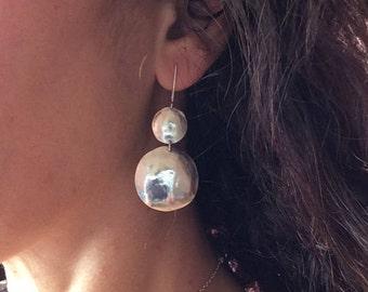 silver dangle earrings, hammered textured earrings, geometric earrings, grecian earrings