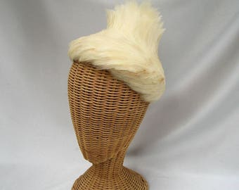 Vintage Ladies Feather Hat Cream White Wool Felt