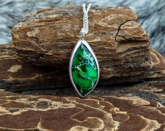 Garden Grove Silver Green Pendant with Chain Sterling