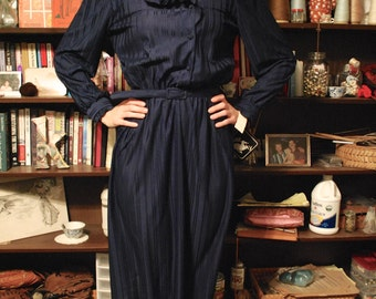 Navy Vintage Long Sleeved Dress