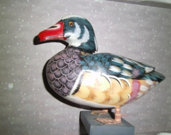 Vintage Duck Carving / Handcarved and Handpainted