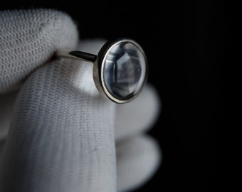 Crystal window ring