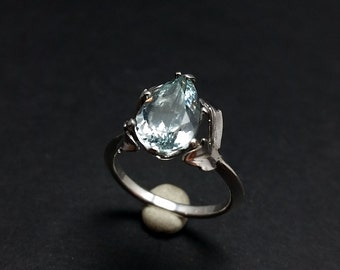 Light Blue Topaz - Size 5 3/4 Knife Edge Ring
