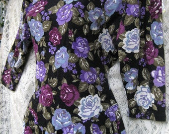small PURPLE ROSES COTTON blend Floral dress, Casual to Cocktail Party dress, vintage 1980s 80s roses dress, Winter to Spring Rose print