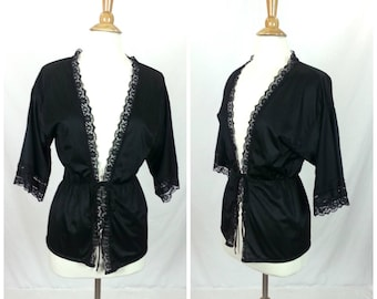 Black Lace Trim Robe Top - Size XS // babydoll bedroom lingerie vintage 60s womens clothing quarter sleeves lace trim cover up nightie top