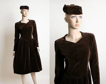 Vintage 1940s Dress & Hat - Dark Chocolate Brown Velvet Sweetheart Neckline Dress and Matching Bow Hat Set - Early 1950s - Small