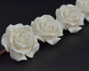 White Flower Hair Clip. White Resin Flower Hair Pin. White Flower Bobby Pin. Large White Flower Hairpin. White Rose Hair Accessories.