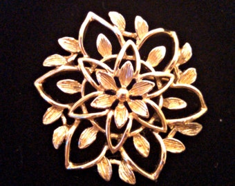 Vintage Brooch, Peta Lure by Sarah Coventry, Gold Tone Flower Pin, Signed, Mid Century, Circa 1960s, Includes Gift Box