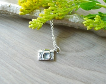 Camera Necklace, Sterling Silver, Photographer Gift, Photography Jewelry, Vintage Camera, Tiny Camera, Camera Gift, Little Camera, Vintage