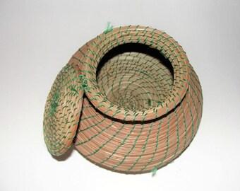 Vintage PINE NEEDLE BASKET Handmade Pine Needle Basket With Attached Lid