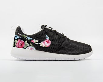 nike roshe run flower edition