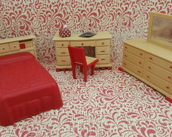 Wolverine Youth Bedroom pieces Doll House Toy  Soft Plastic Bed Desk  Dresser