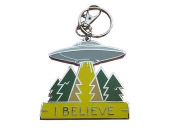 Keychain - UFO I BELIEVE - large size