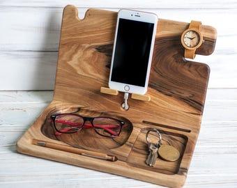 SALE,Personilized Wood Desk Organizer, Mens Valet, Charging Station, Wood iPhone Dock, Mens organizer,Father Day Gift,Wooden Station Men