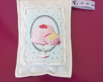 Lavender sachet in cotton fabric and cake image