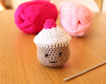 Amigurumi crochet cupcake