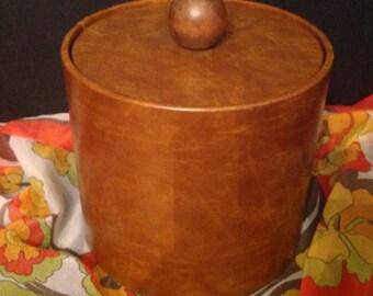 vintage wood-look vinyl ice bucket marked Elmar Mfg.