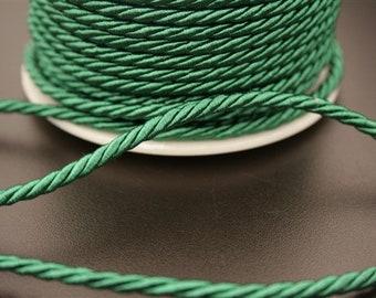 1 meter of nylon thread. (ref:4050).