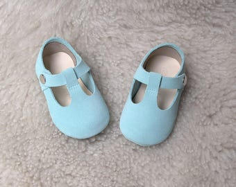 Light Blue Baby Shoes, Baby Girl Shoes, Baby Girl Mary Jane T Strap, Baby Moccasins, Newborn Crib Shoes, Baby Shower Gift, Baby Blue